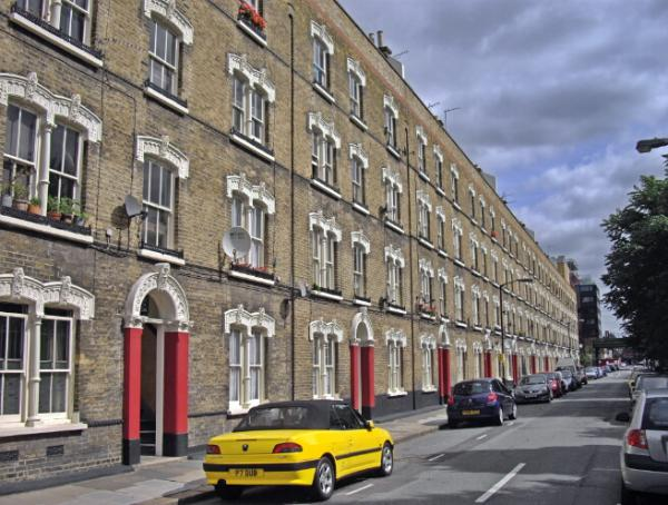 Name:  [ToneMap NoHalo.txt]Pullens_Buildings_Amelia_Street_-_geograph.org.uk_-_1447434.jpg
